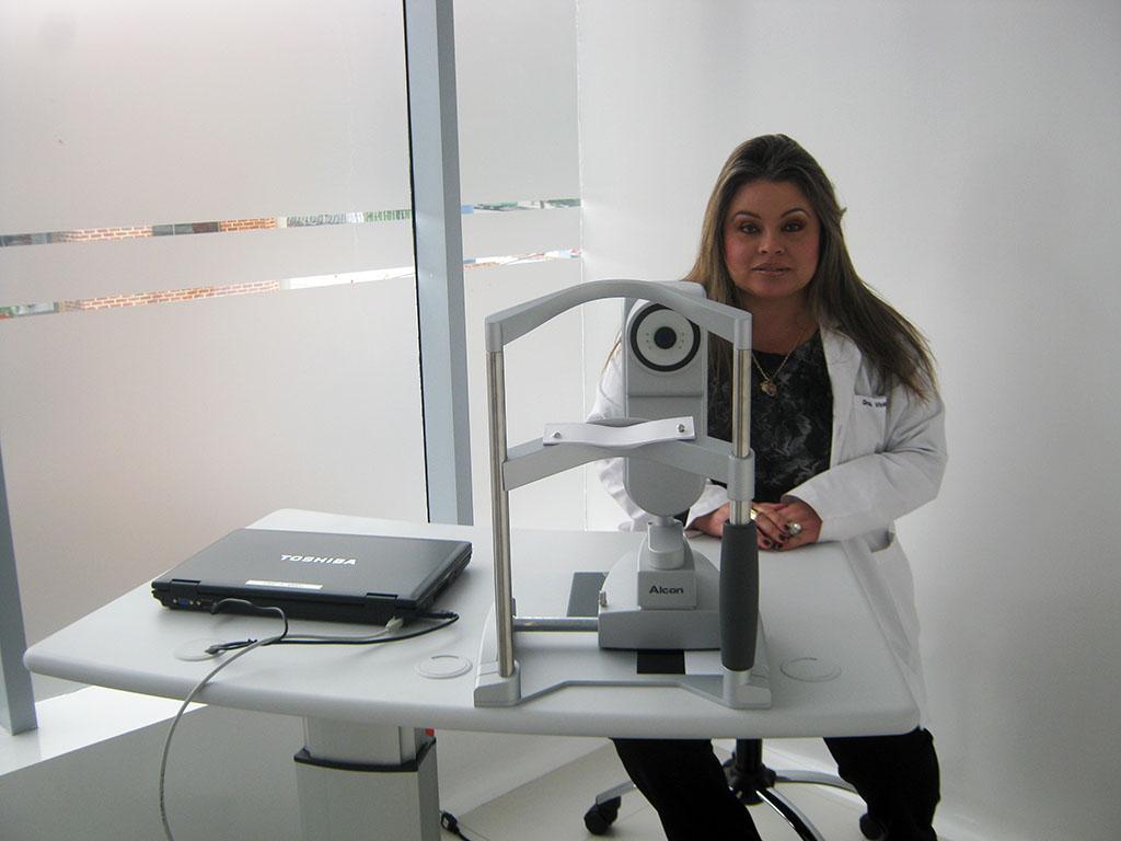 BIOMETRO Y PUPILOMETRO: Lensx para el estudio de la medida de los lentes intraoculares y la pupilometria.